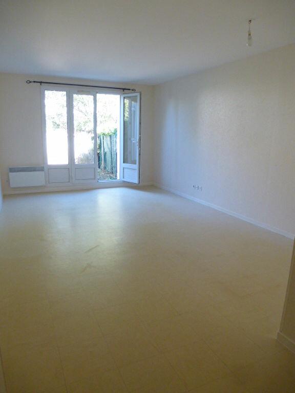 Appartement à louer 3 64m2 à Saint-Jean-de-Braye vignette-7