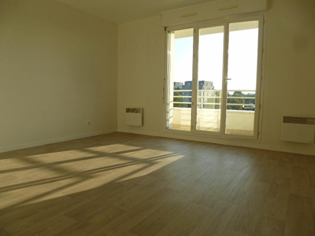 Appartement à louer 2 47m2 à Saint-Jean-de-Braye vignette-3