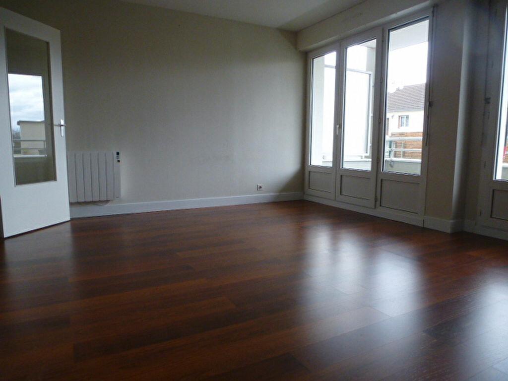 Appartement à louer 3 77m2 à Saran vignette-2
