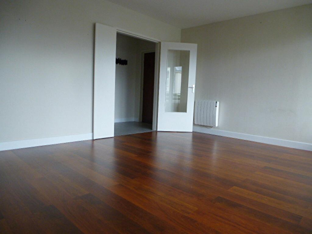 Appartement à louer 3 77m2 à Saran vignette-3