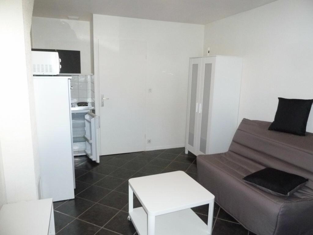 Appartement à louer 1 17m2 à Orléans vignette-2
