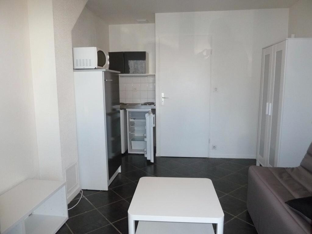 Appartement à louer 1 17m2 à Orléans vignette-4