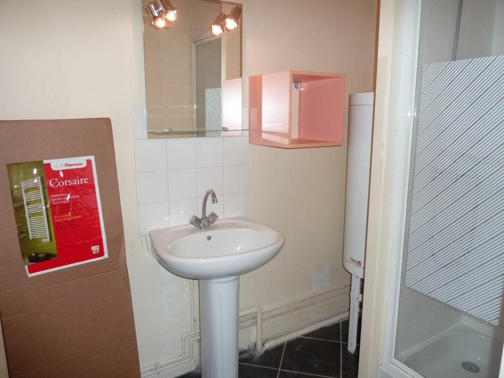 Appartement à louer 1 17m2 à Orléans vignette-9