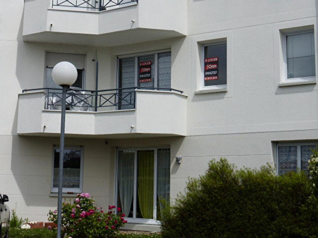 Appartement à louer 1 34.18m2 à La Chapelle-Saint-Mesmin vignette-1