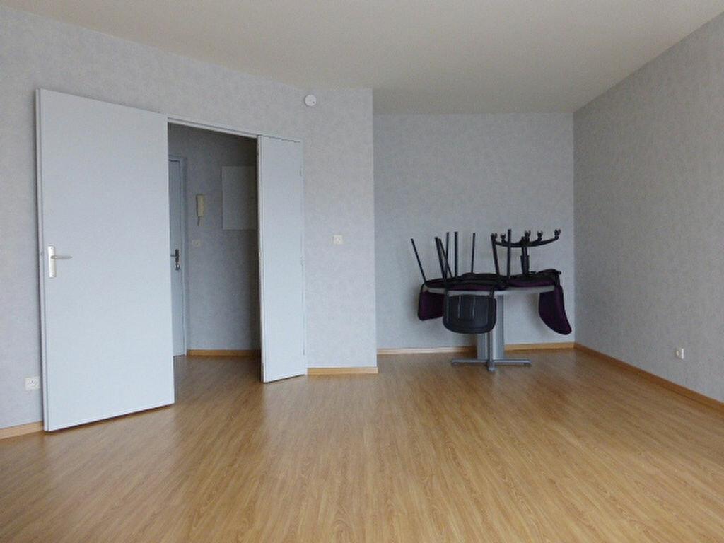 Appartement à louer 1 34.18m2 à La Chapelle-Saint-Mesmin vignette-3