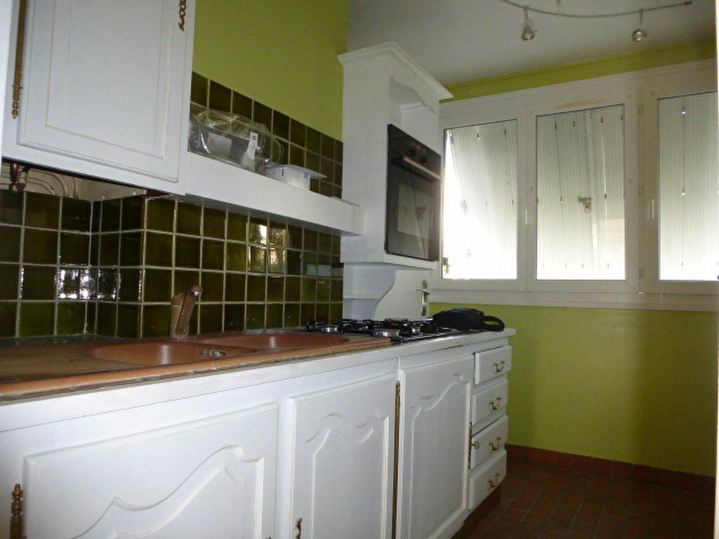 Appartement à louer 3 58m2 à Orléans vignette-3