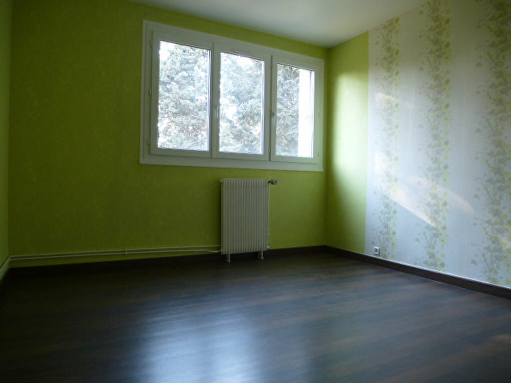 Appartement à louer 3 58m2 à Orléans vignette-5