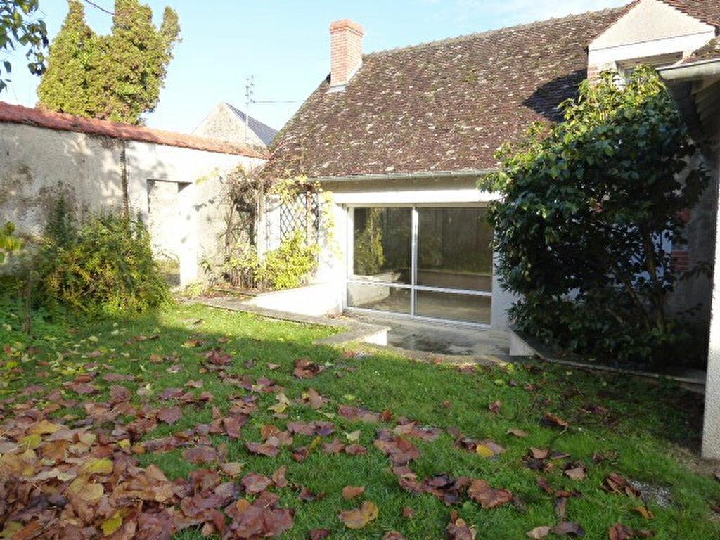 Maison à louer 7 240m2 à La Chapelle-Saint-Mesmin vignette-5