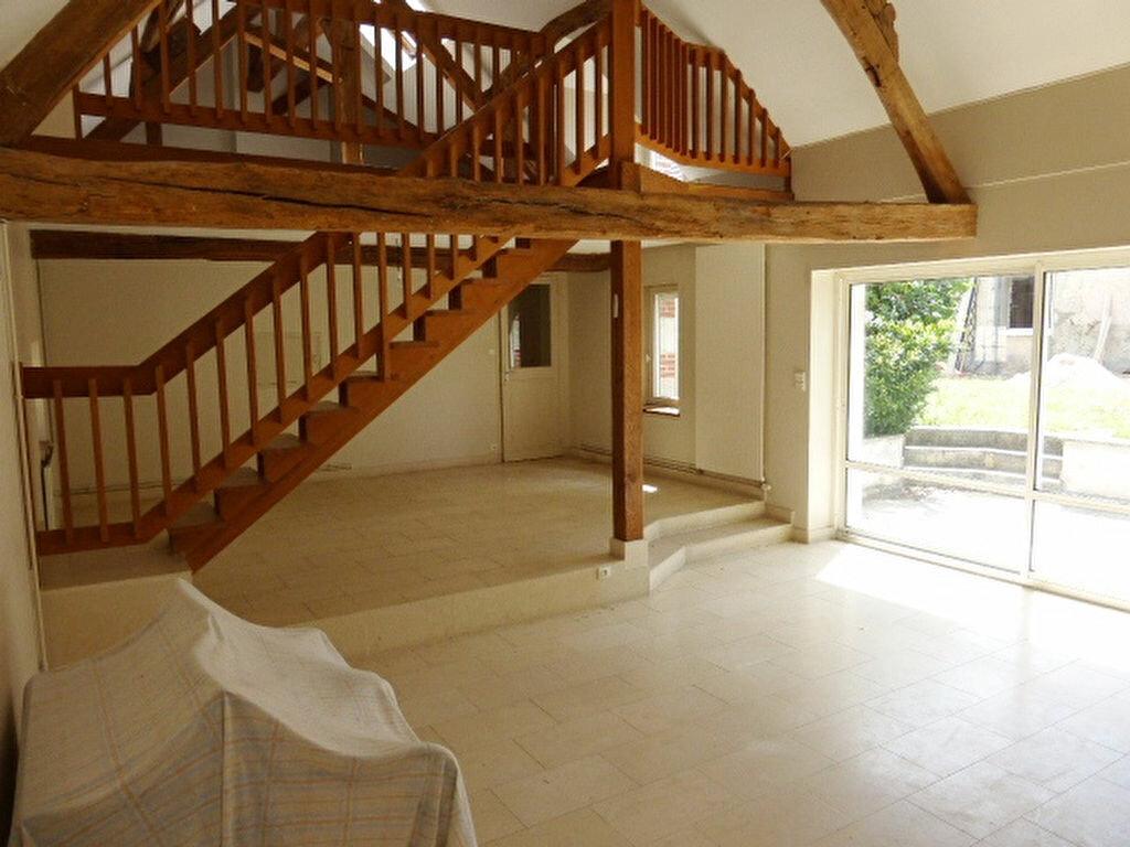 Maison à louer 7 240m2 à La Chapelle-Saint-Mesmin vignette-10