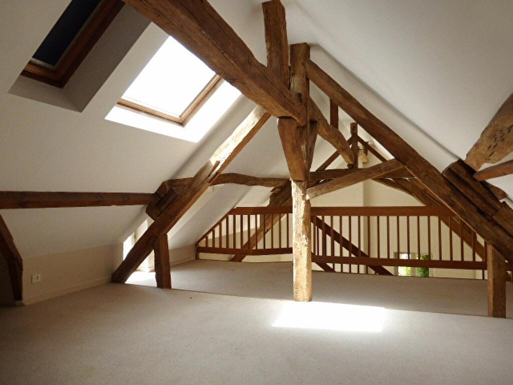 Maison à louer 7 240m2 à La Chapelle-Saint-Mesmin vignette-11