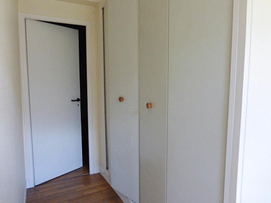 Maison à louer 7 240m2 à La Chapelle-Saint-Mesmin vignette-13
