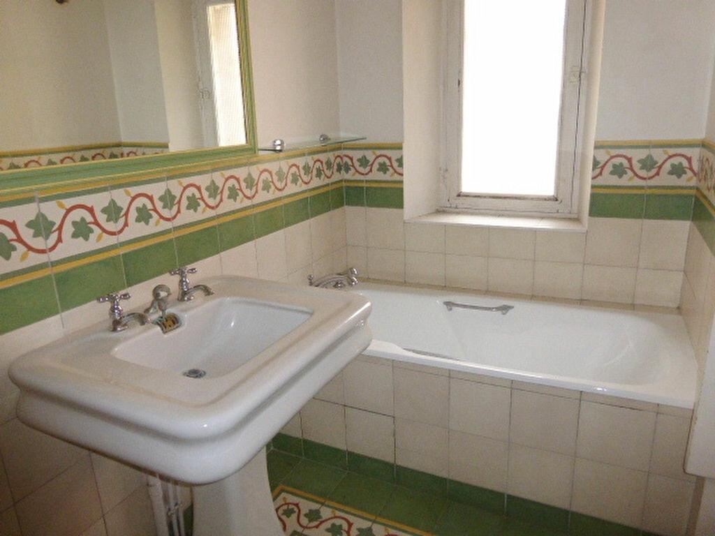 Maison à louer 7 240m2 à La Chapelle-Saint-Mesmin vignette-14