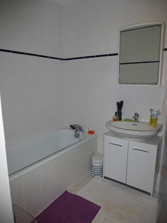 Appartement à louer 3 73m2 à Saint-Jean-de-la-Ruelle vignette-7