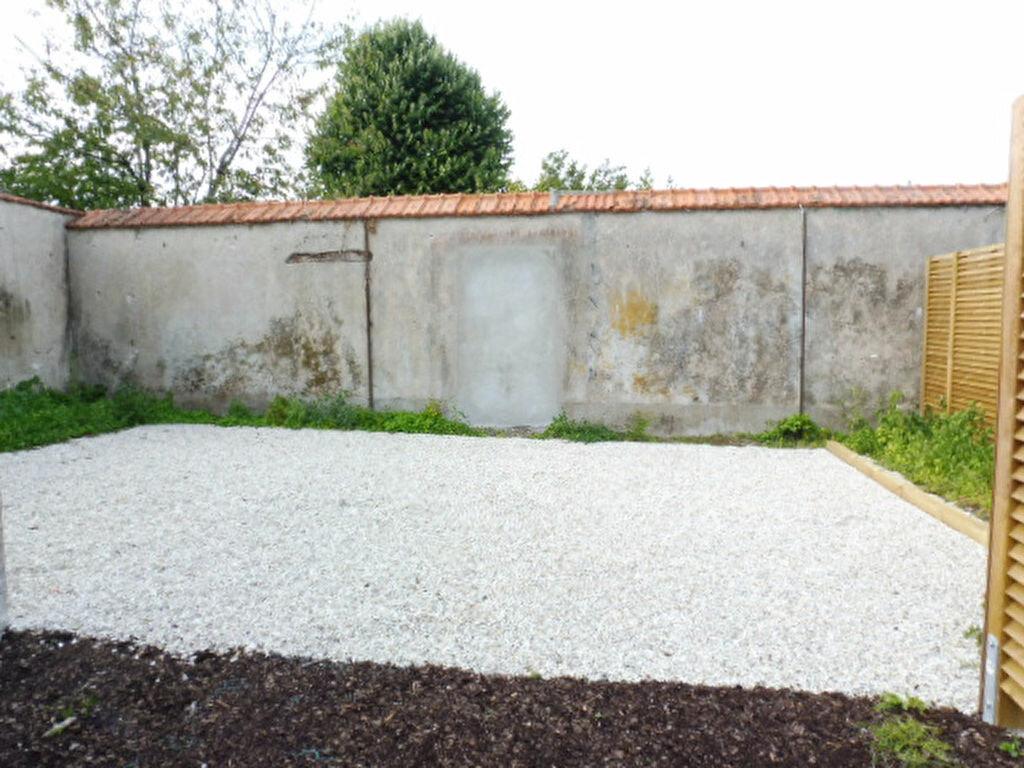 Maison à louer 3 65m2 à La Chapelle-Saint-Mesmin vignette-3
