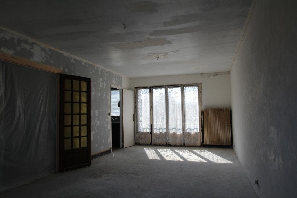 Maison à vendre 5 103.79m2 à Fleury-les-Aubrais vignette-4