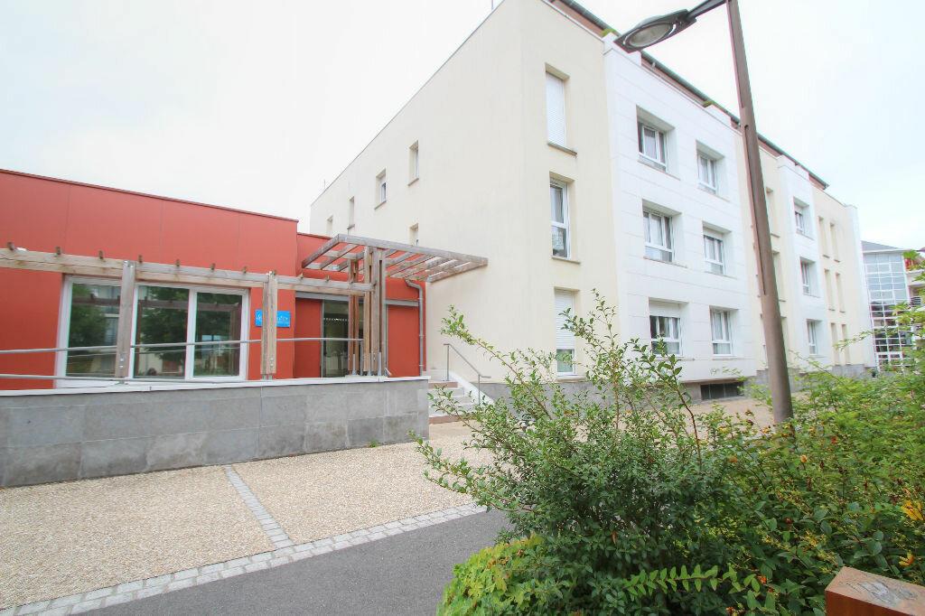 Appartement à louer 3 62m2 à Fleury-les-Aubrais vignette-2