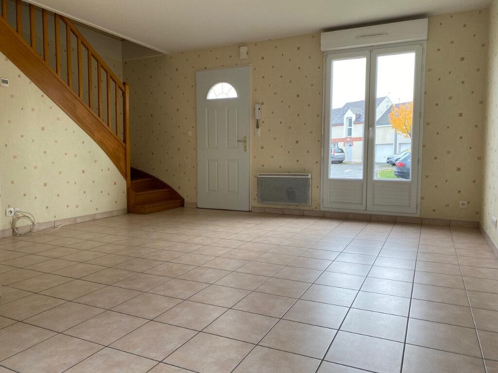 Maison à louer 4 71m2 à Fleury-les-Aubrais vignette-1