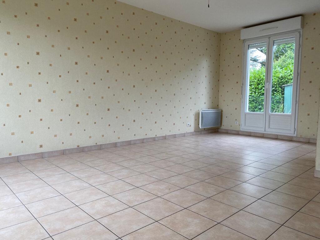 Maison à louer 4 71m2 à Fleury-les-Aubrais vignette-2