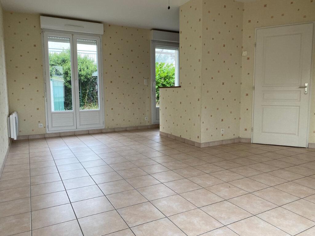 Maison à louer 4 71m2 à Fleury-les-Aubrais vignette-3