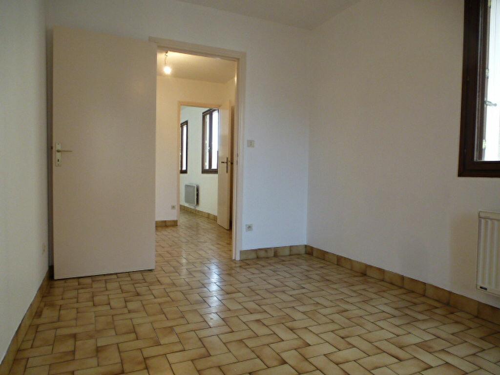 Appartement à louer 2 30m2 à Orléans vignette-2