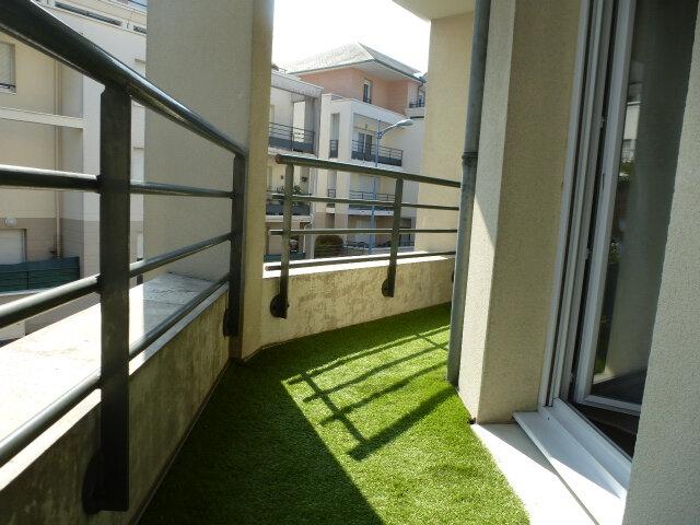 Appartement à louer 3 70m2 à Fleury-les-Aubrais vignette-1