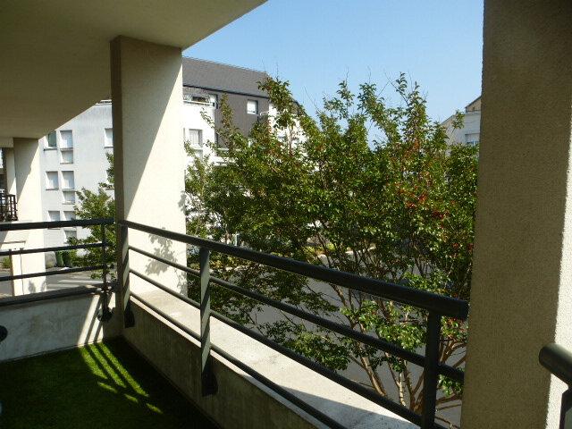 Appartement à louer 3 70m2 à Fleury-les-Aubrais vignette-2