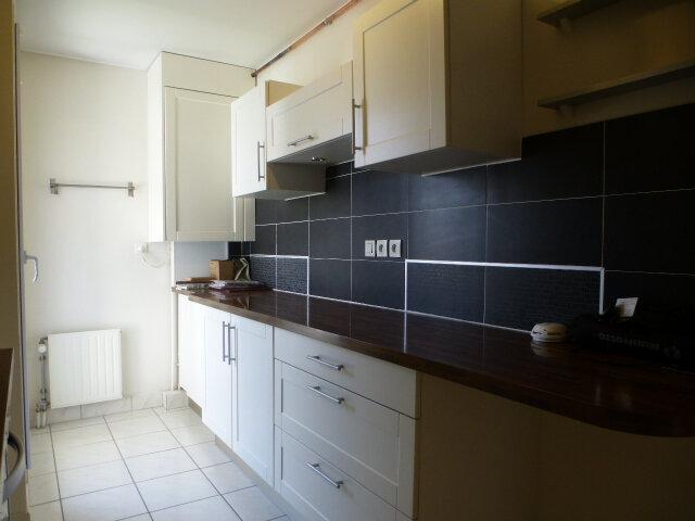Appartement à louer 3 70m2 à Fleury-les-Aubrais vignette-4