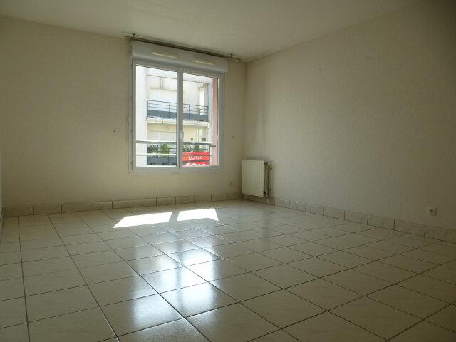 Appartement à louer 3 70m2 à Fleury-les-Aubrais vignette-5
