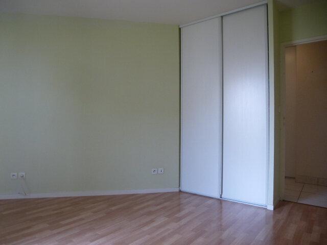 Appartement à louer 3 70m2 à Fleury-les-Aubrais vignette-11