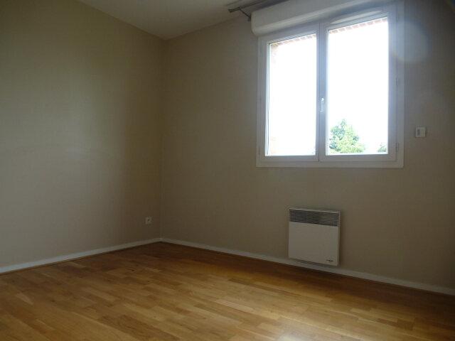 Appartement à louer 4 80m2 à Orléans vignette-5