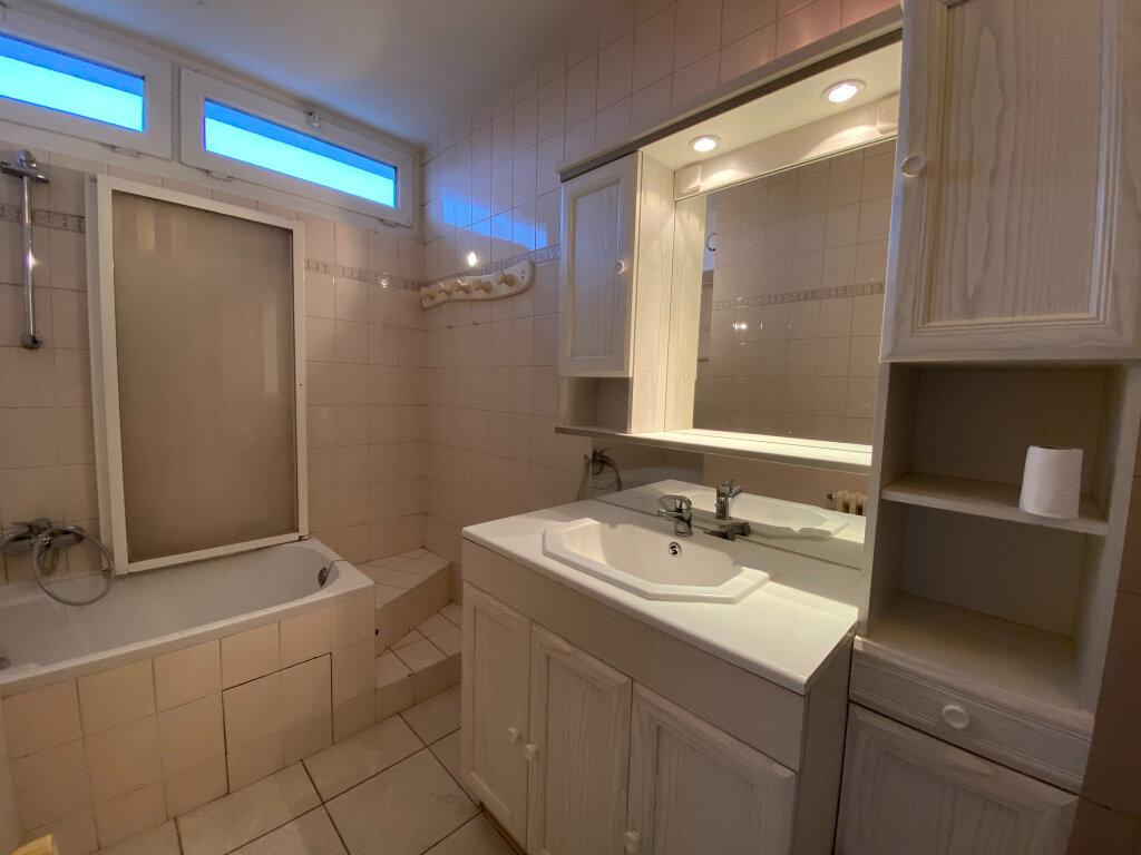 Appartement à louer 3 57.1m2 à Saint-Jean-de-la-Ruelle vignette-6