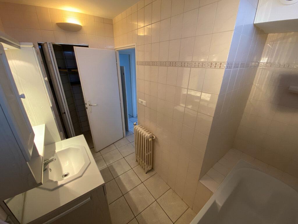 Appartement à louer 3 57.1m2 à Saint-Jean-de-la-Ruelle vignette-7