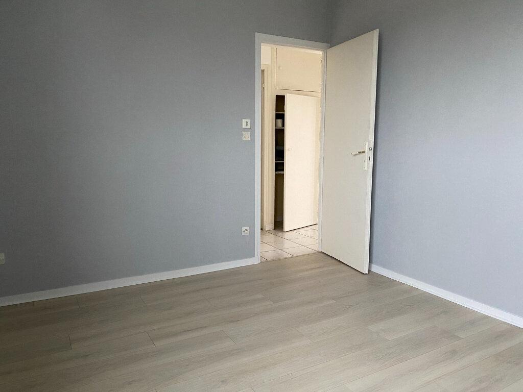 Appartement à louer 3 57.1m2 à Saint-Jean-de-la-Ruelle vignette-8