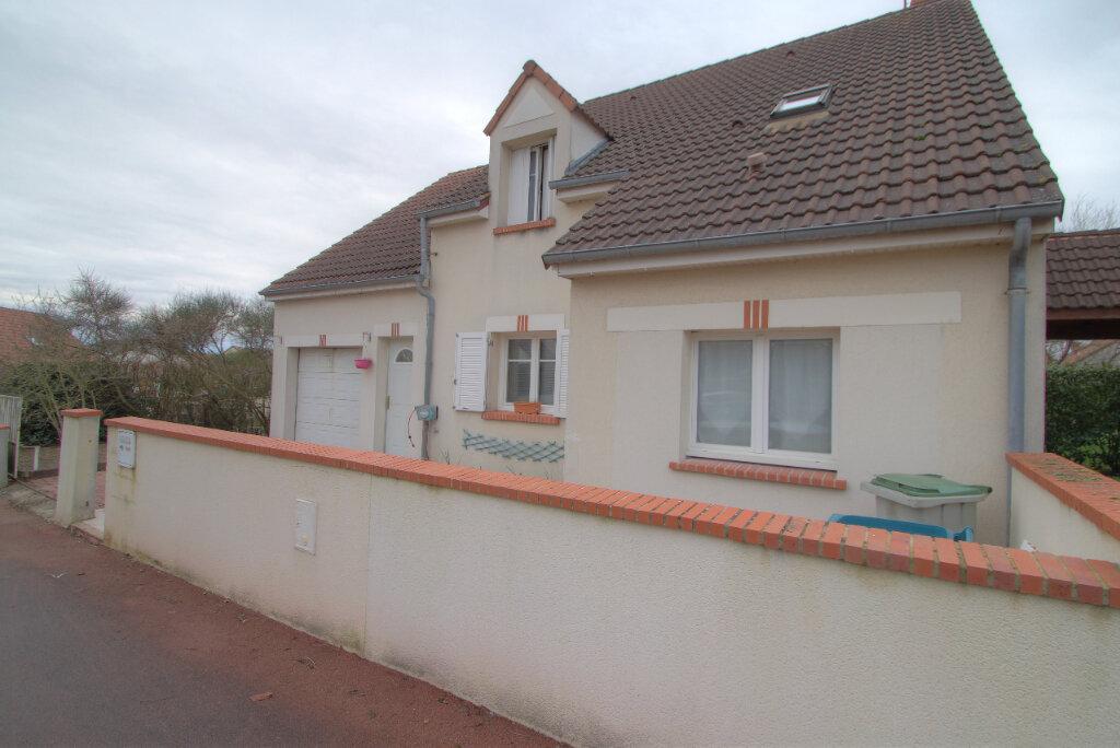 Maison à vendre 6 109m2 à La Chapelle-Saint-Mesmin vignette-1