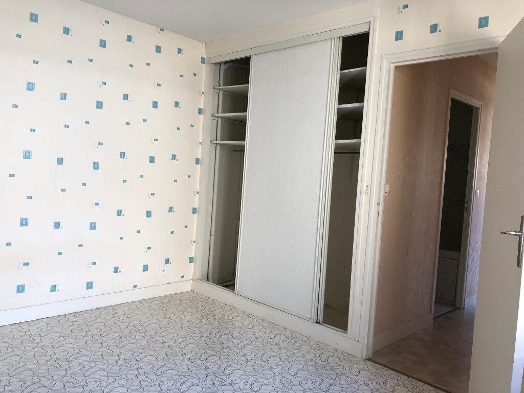 Maison à louer 2 39m2 à Orléans vignette-4