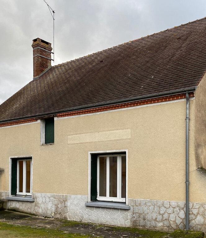 Maison à louer 3 75m2 à Mareau-aux-Prés vignette-1