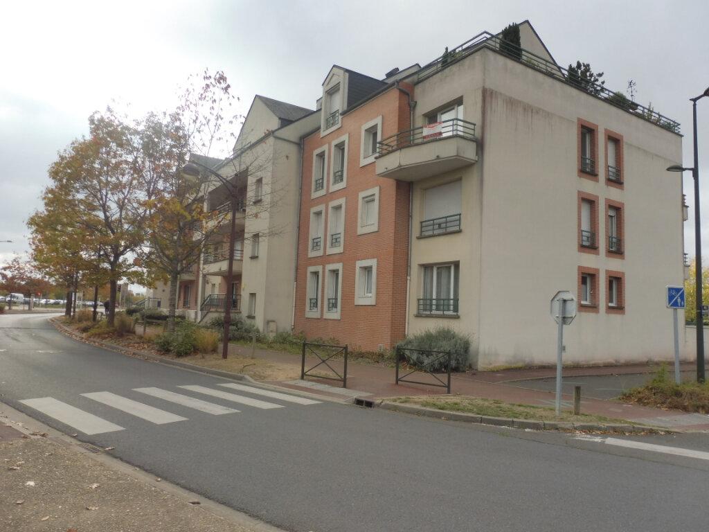 Appartement à louer 3 64.23m2 à Olivet vignette-1