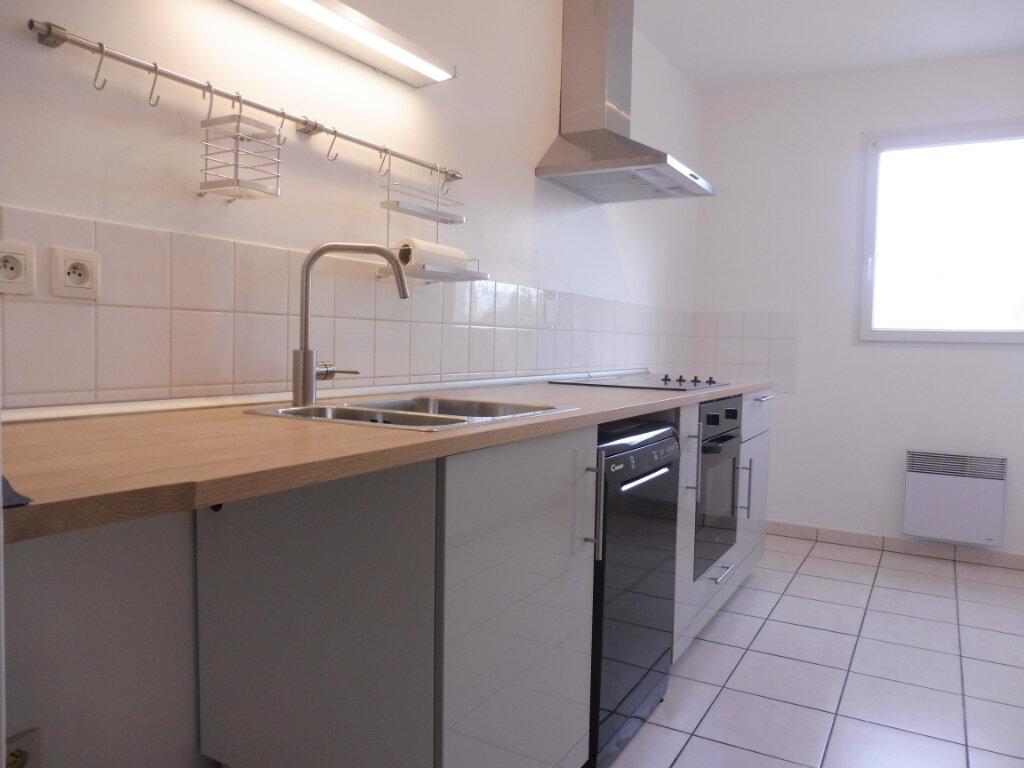 Appartement à louer 3 64.23m2 à Olivet vignette-2