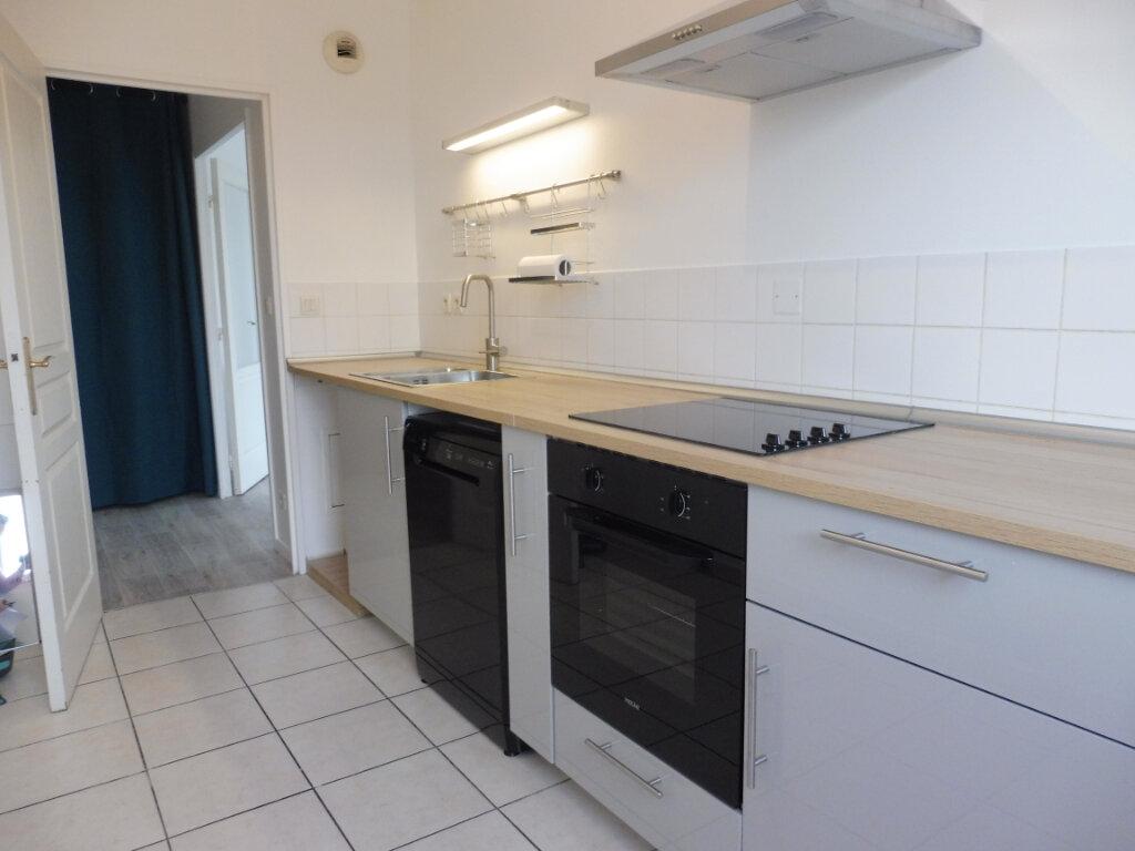 Appartement à louer 3 64.23m2 à Olivet vignette-7