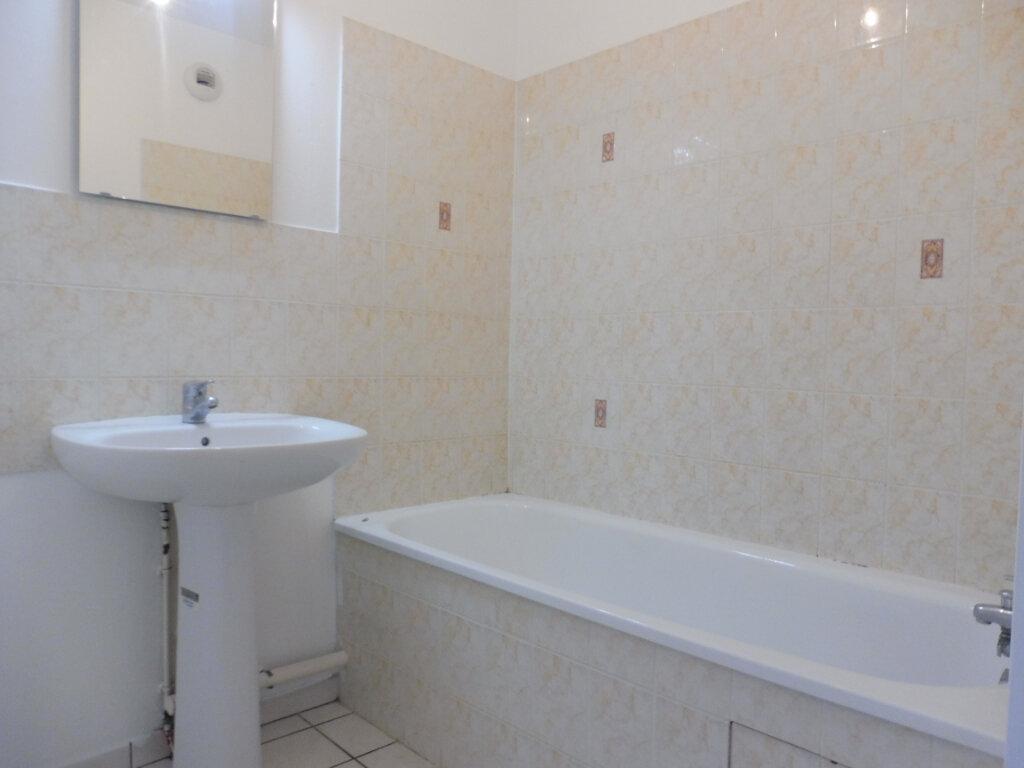 Appartement à louer 3 64.23m2 à Olivet vignette-12