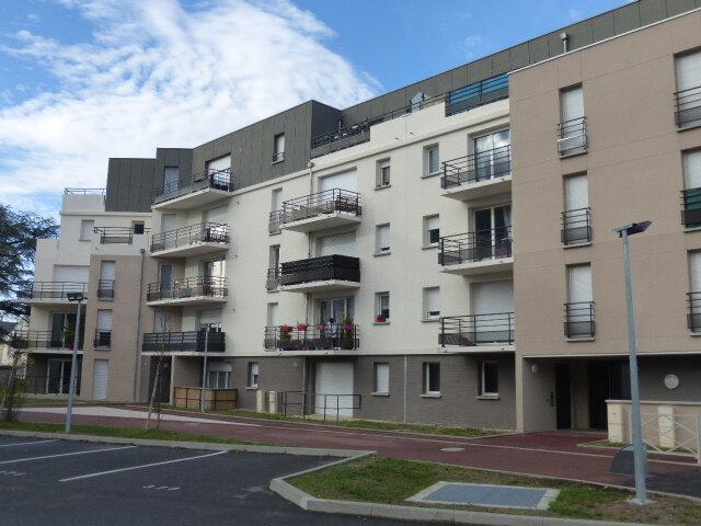 Appartement à louer 3 66.67m2 à Saint-Jean-de-la-Ruelle vignette-1