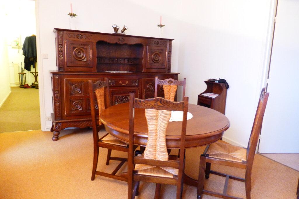 Appartement à louer 2 56.59m2 à Fleury-les-Aubrais vignette-2
