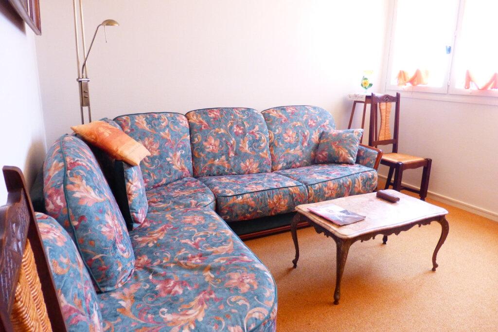 Appartement à louer 2 56.59m2 à Fleury-les-Aubrais vignette-3