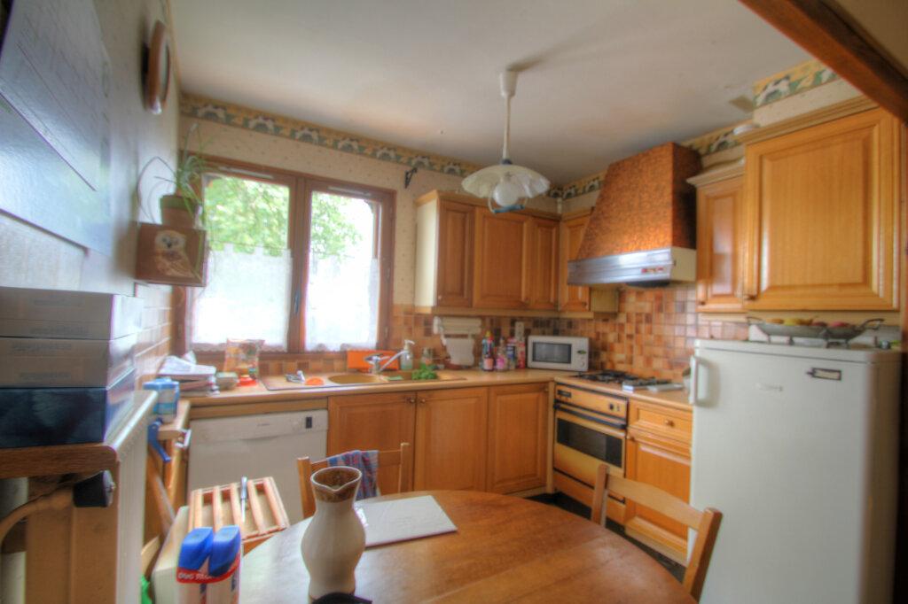 Maison à vendre 5 106m2 à Fleury-les-Aubrais vignette-8