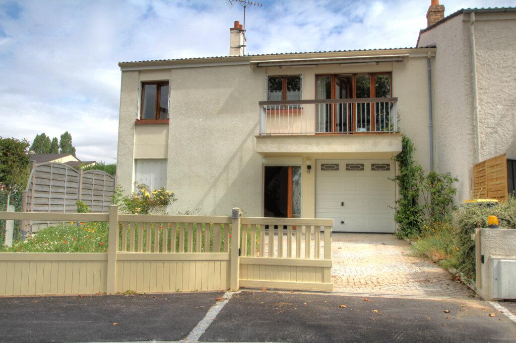 Maison à vendre 5 106m2 à Fleury-les-Aubrais vignette-15