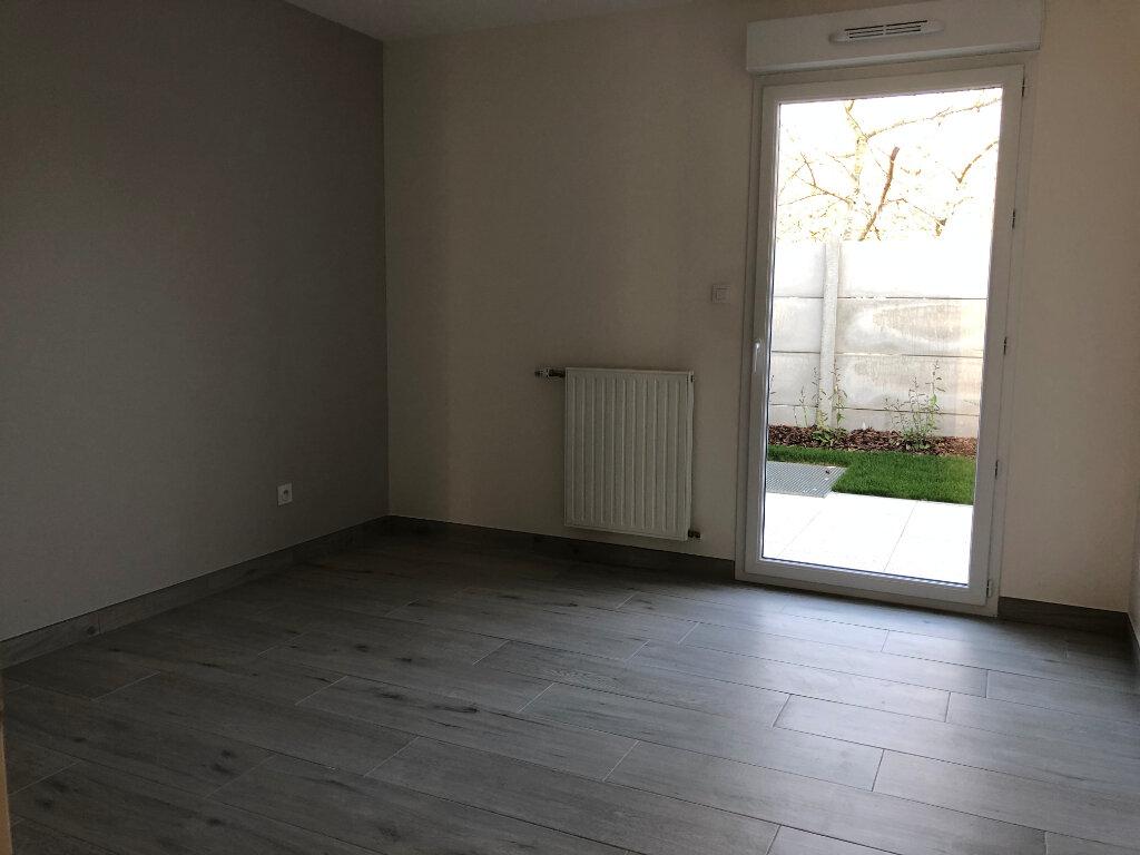 Appartement à louer 3 62.6m2 à Fleury-les-Aubrais vignette-4