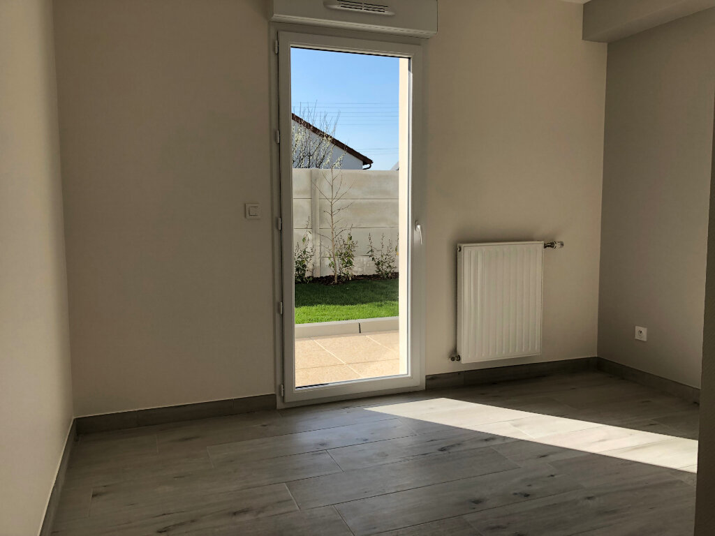 Appartement à louer 3 62.6m2 à Fleury-les-Aubrais vignette-5