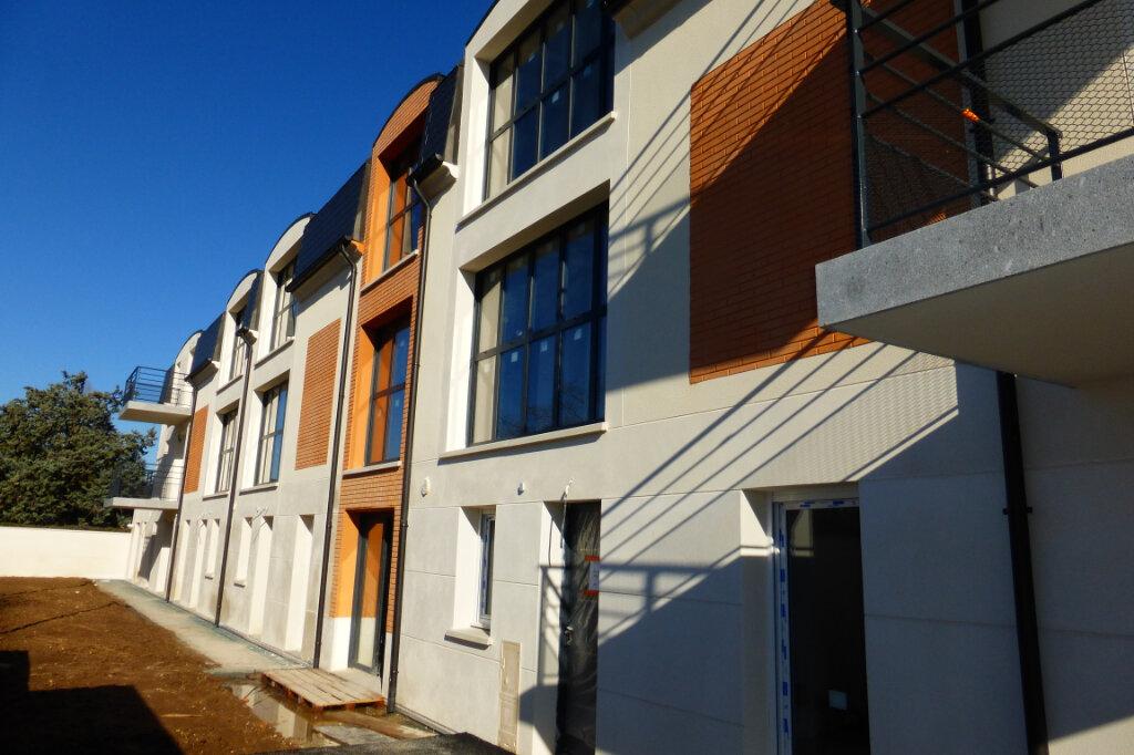 Appartement à louer 3 62.6m2 à Fleury-les-Aubrais vignette-8