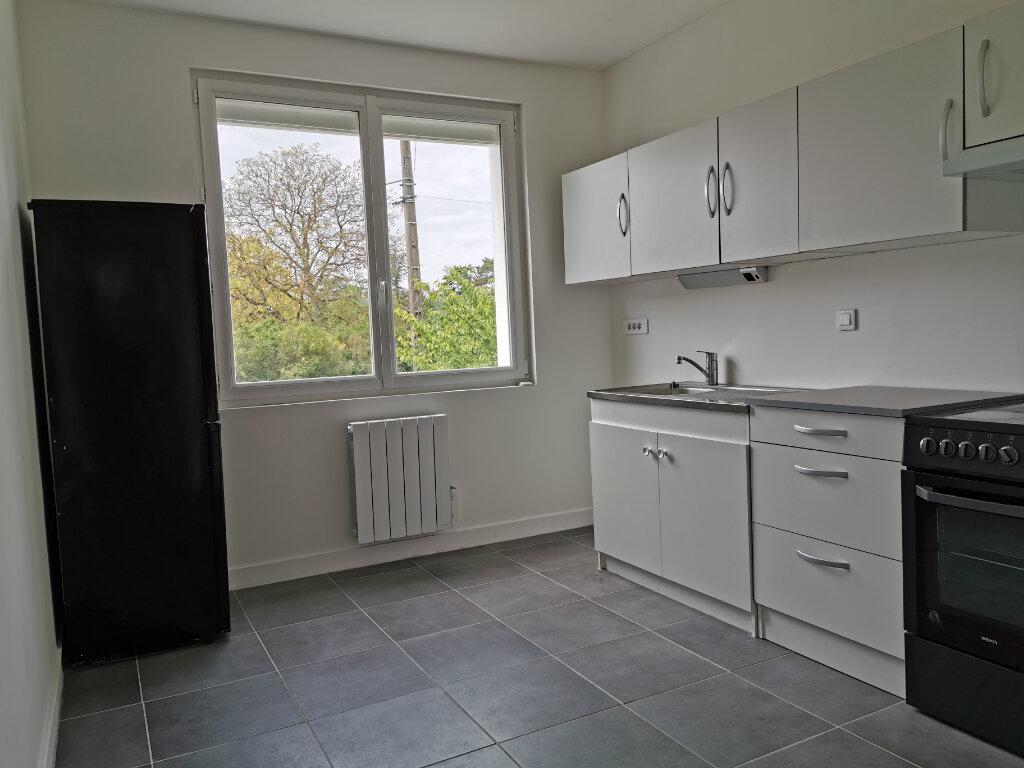 Maison à louer 4 70.42m2 à Saint-Pryvé-Saint-Mesmin vignette-3