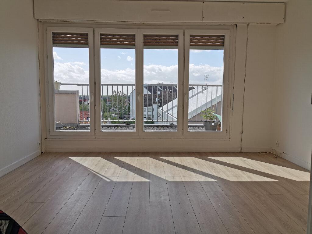 Appartement à louer 3 63.68m2 à Fleury-les-Aubrais vignette-1